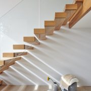 floating cantilever staircase